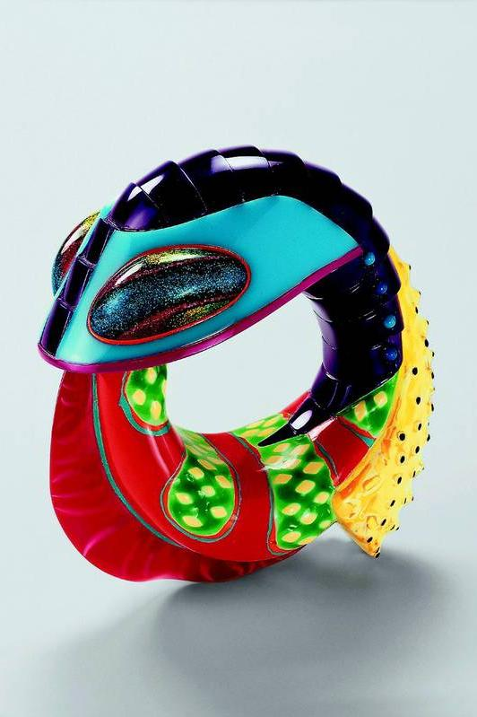 Bracelet, Peter Chang, Glasgow, 1998, photo Rüdiger Flöter