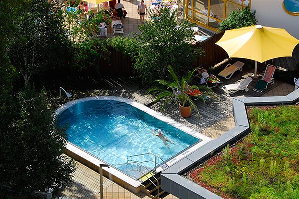 Bild: Außenbereich der Saunalandschaft