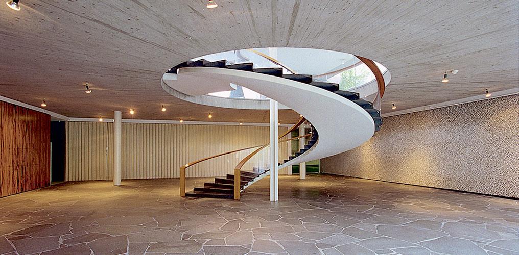 Wendeltreppe im Reuchlinhaus, Foto Valentin Wormbs