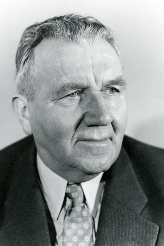 Dieses Bild zeigt eine Portraitaufnahme von Gottfried Leonhard.