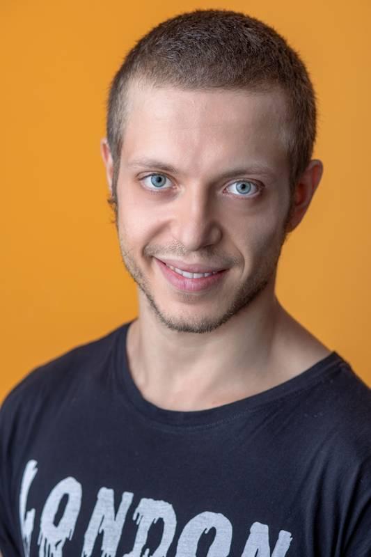 Dieses Portrait zeigt Alex Ferro