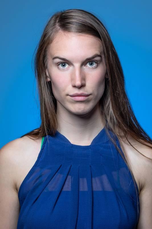 Dieses Portrait zeigt Myriam Rossbach