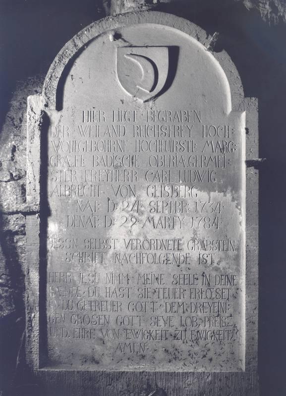 Grabstein Familie Gaisberg aus der Gruft
